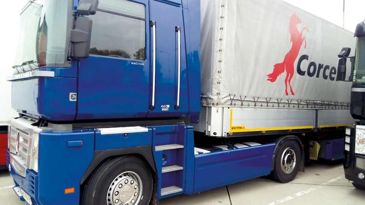 Transporte de baldosa desde España a Ucrania